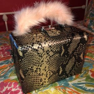 Snakeskin Trunk CrossBody Bag w/ Pink Fur Handle💓